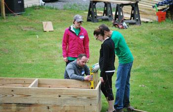 creating a garden box | coyotehill.org