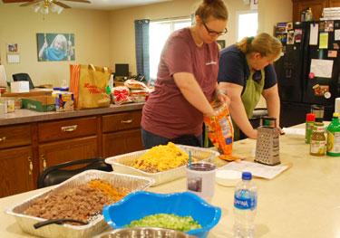 freezer meal volunteers | coyotehill.org